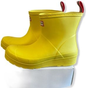 NWT Hunter Yellow Rainboots